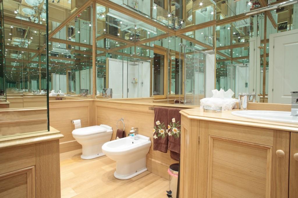 Sala Da Bagno Moderna : Arredamento moderno sala da bagno arredamenti su misura restauri