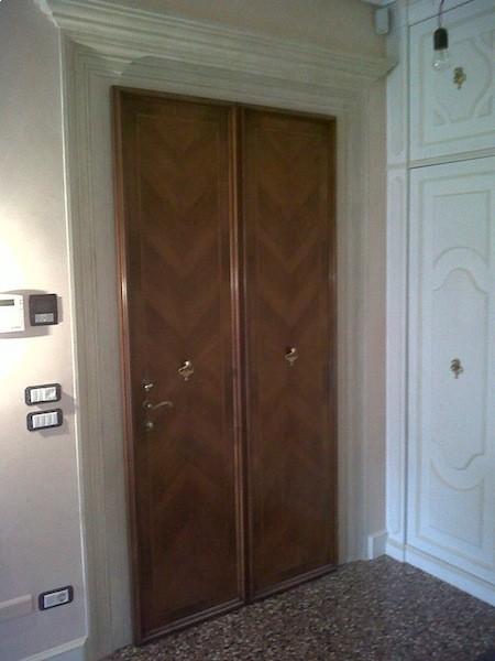 Arredamento in stile porte interne arredamenti su for Cabine vecchio stile